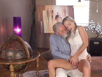 OLD4K. Mature guy with beard impales blonde disciple