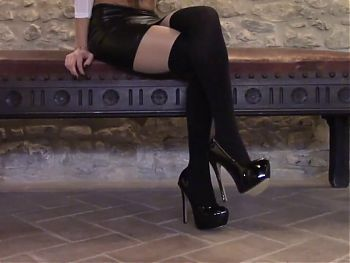 30 minutes compilation of high heels and pantyhose
