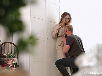 TeenMegaWorld -TeenSexMovs- Lady takes sperm on her glasses